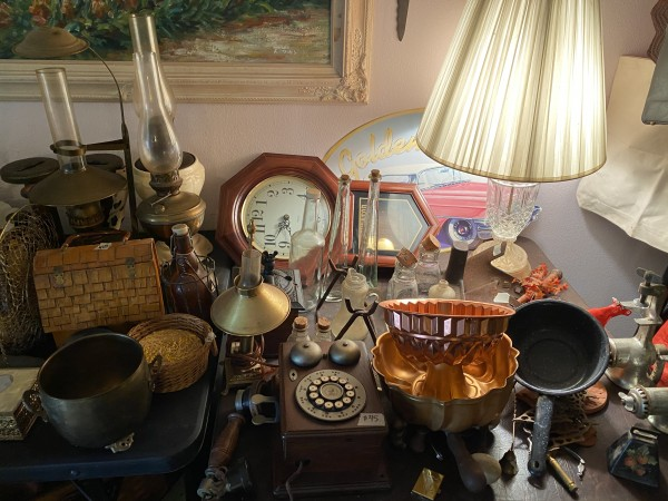 Former member of the Red Hat Society estate sale